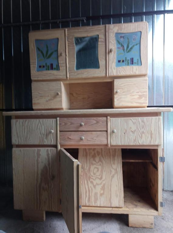 Niedrogi i szybki sposób na wyczyszczenie drewna, metalu czy betonu