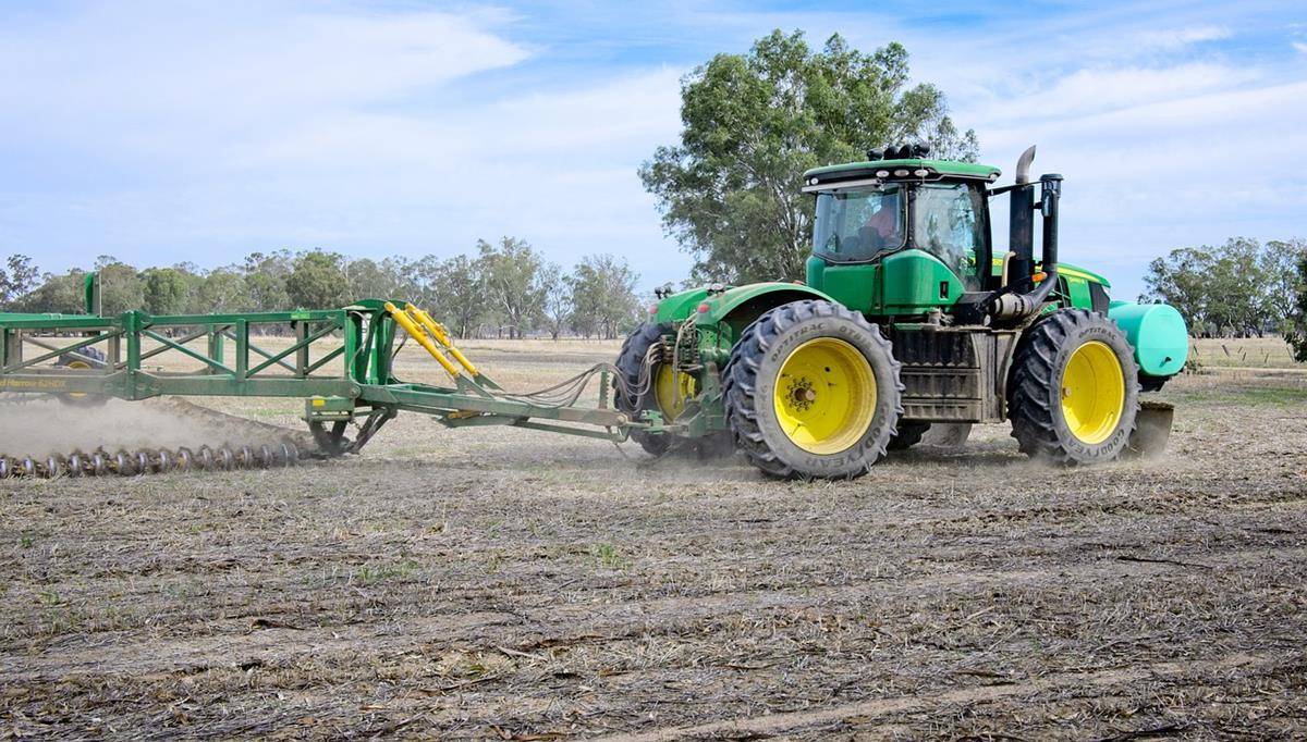 Jak zadbać o dobry stan techniczny maszyn rolniczych?