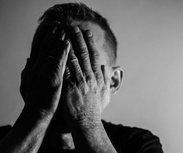 Co zrobić kiedy nastoletnie dziecko sprawia problemy psychologiczne?