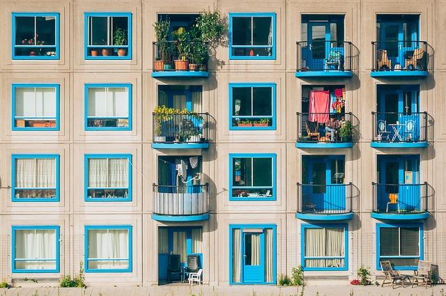Stare i nieszczelne okna trzeba wymienić na nowe